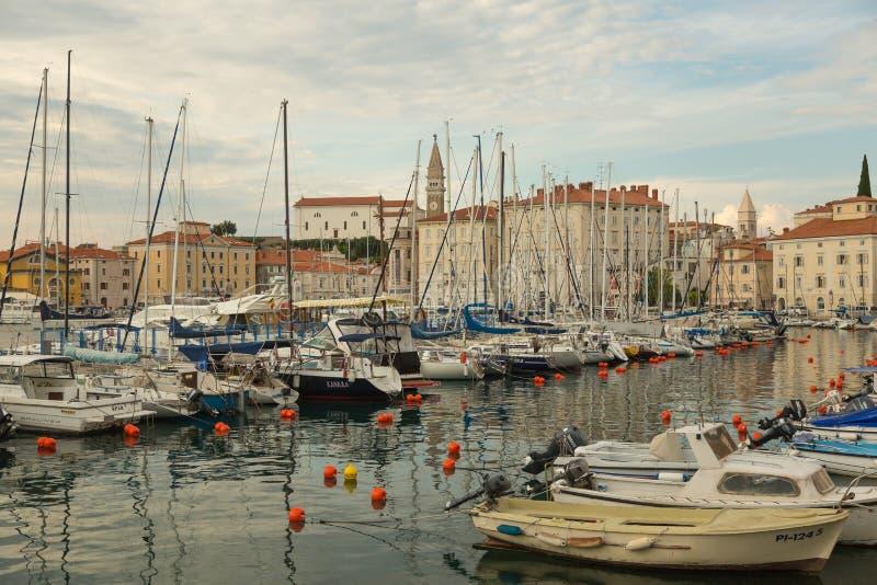 Vue sur la côte de Piran photos stock
