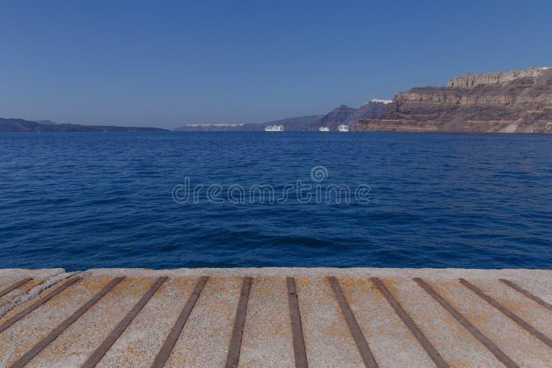 Vue sur la caldeira de Santorini image libre de droits