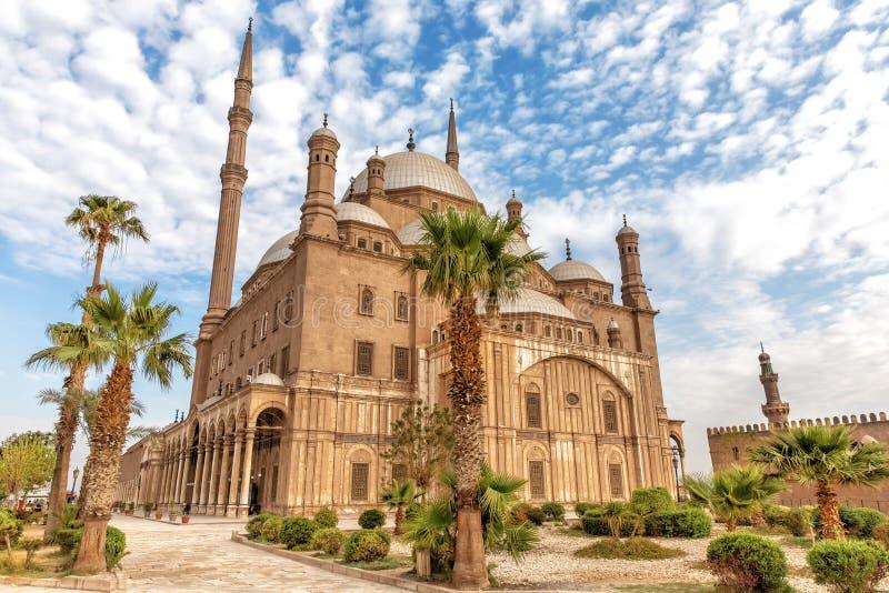 Vue sur la grande mosquée de Mohammed Ali Pasha au Caire photos libres de droits