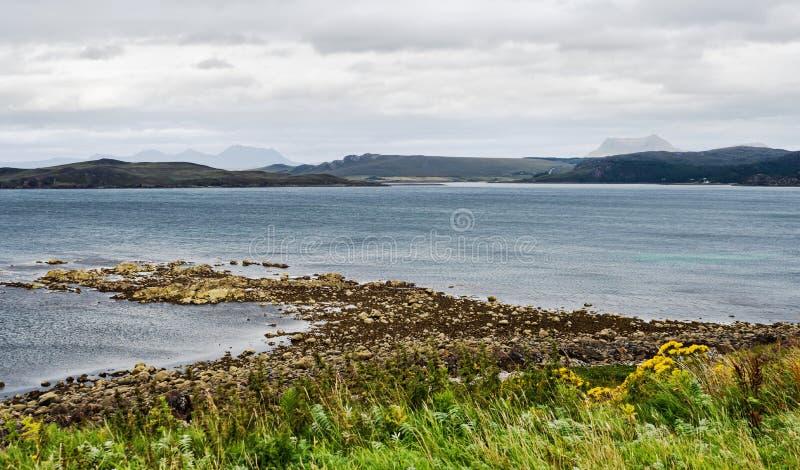 Vue sur la mer en Écosse images stock