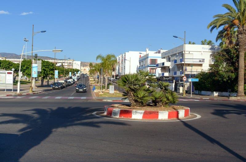 Vue sur la rue dans la ville d'Agadir, Maroc photo libre de droits