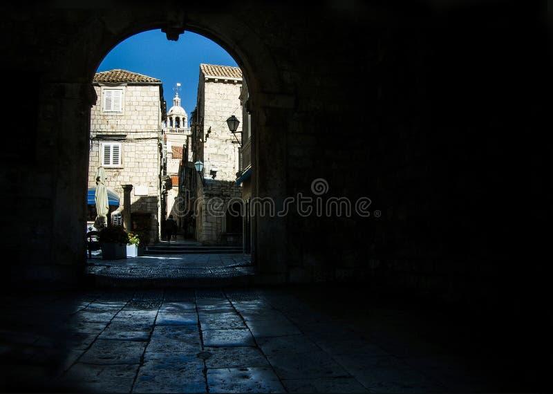 Vue sur la ville de Korcula en Croatie image libre de droits