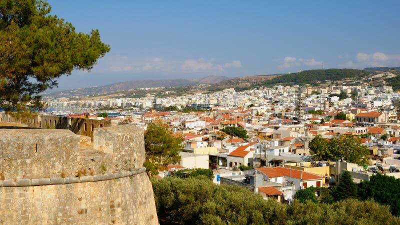 Vue sur la ville de Rethymno, Crète photographie stock libre de droits