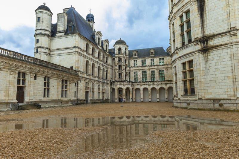 Vue sur le château de Chambord photos stock