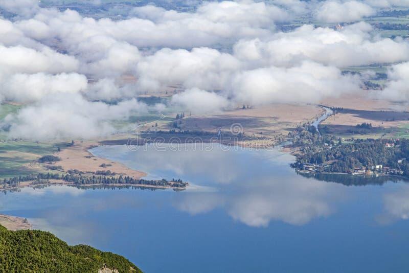 Vue sur le lac Kochel photos libres de droits