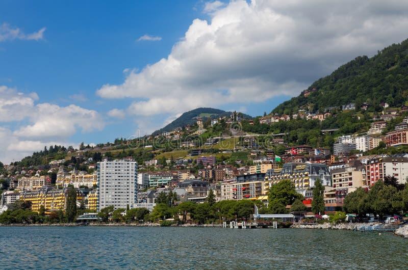 Vue sur le littoral de Montreux du lac geneva, Suisse photos stock