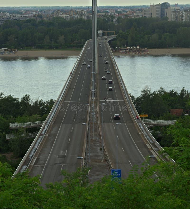 Vue sur le pont de liberté à Novi Sad, Serbie images libres de droits