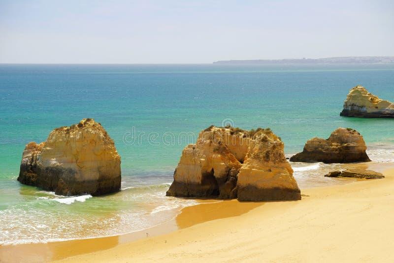 Vue sur le Praia de plage DA Rocha dans Portimao dans Algarve, Portugal images stock