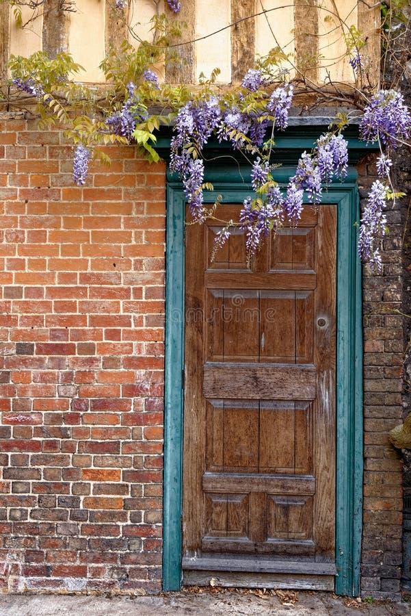 Vue sur les portes - Winchester, Royaume-Uni photos libres de droits