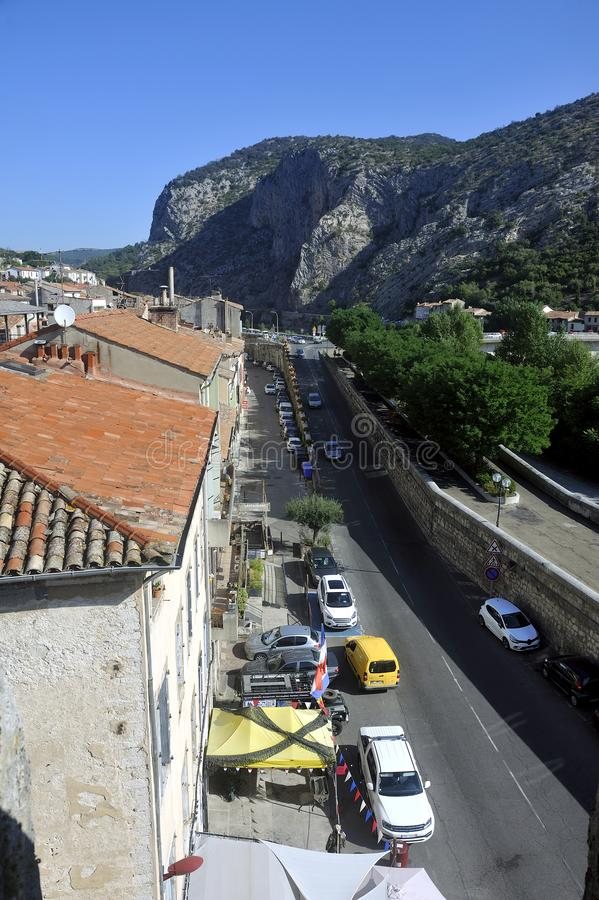 Vue sur les toits d'Anduze depuis le sommet de la tour d'horloge photos libres de droits