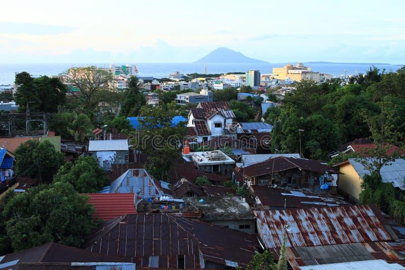 Vue sur Manado photos libres de droits