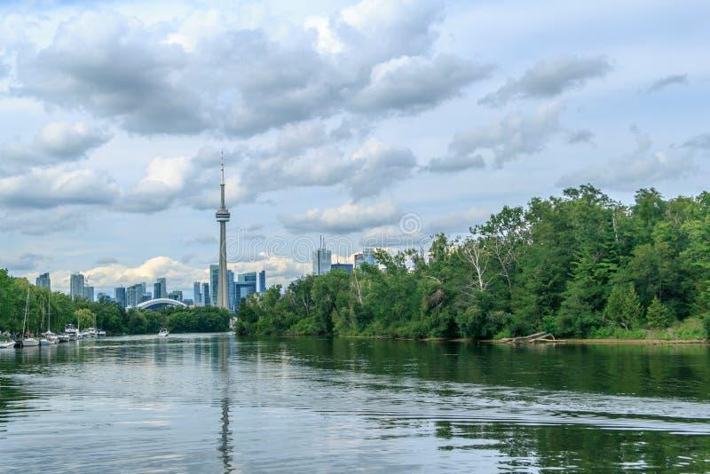Vue sur Toronto du centre de l'île image stock