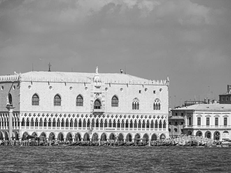 Vue sur Venise depuis le Grand Canal - Dodge Palace, Campanile sur la place Saint-Marc, Venise, Italie images libres de droits
