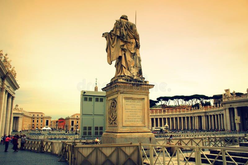 Vue Vatican de place du ` s de St Peter photographie stock libre de droits