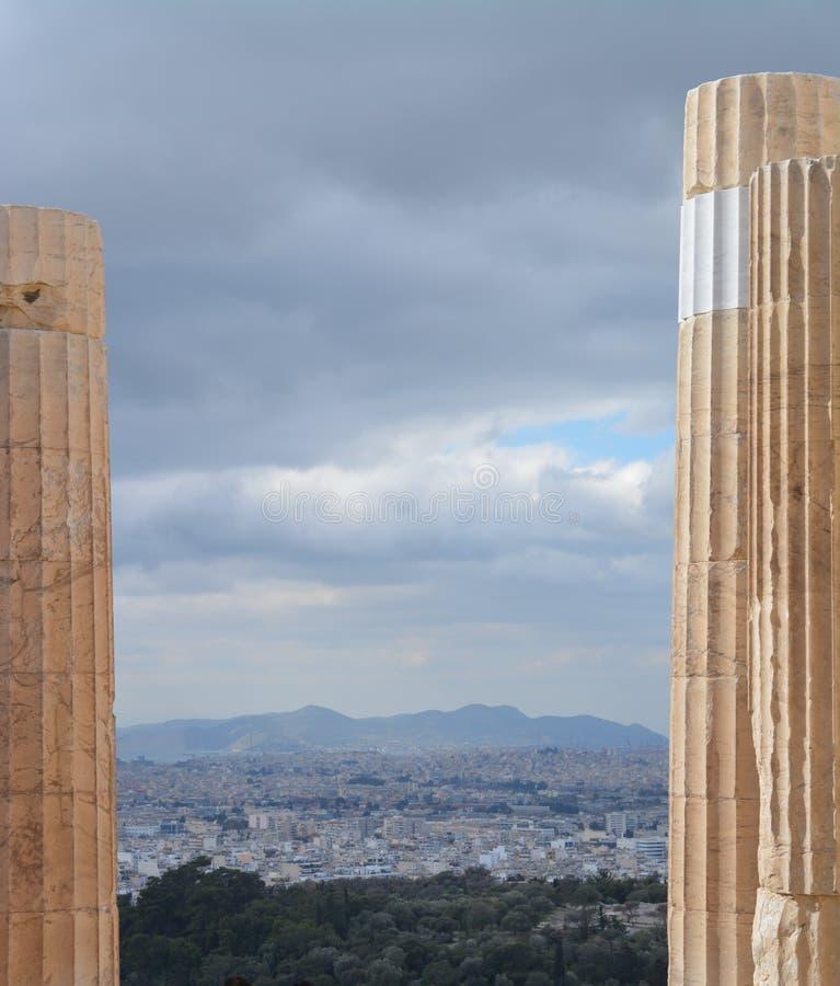 Vue vers Athènes de l'Acropole images libres de droits