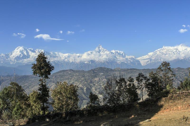 Vue vers Dhaulagiri - le Népal photos libres de droits
