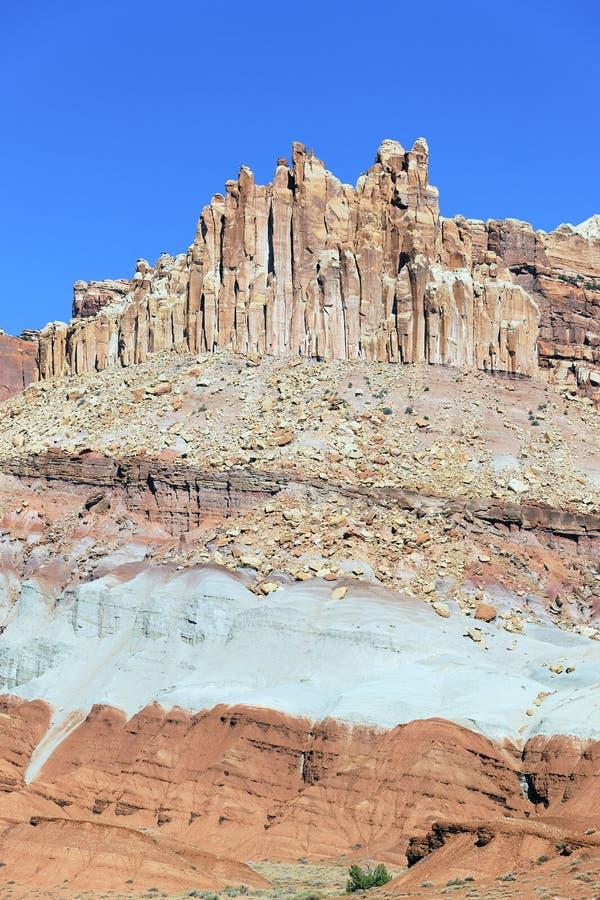Vue verticale de formation de Castle rock photos stock