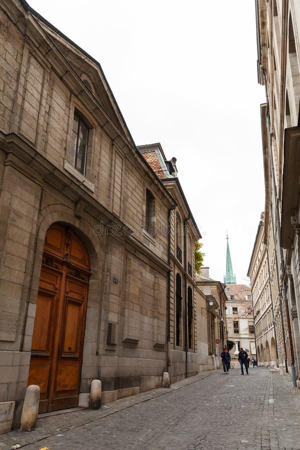 Vue verticale de rue de ville de Gen?ve photos libres de droits