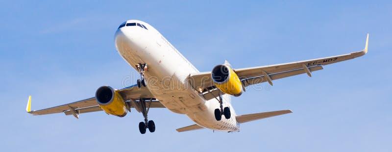 Vueling Airlines-Flächenlandung lizenzfreie stockfotografie