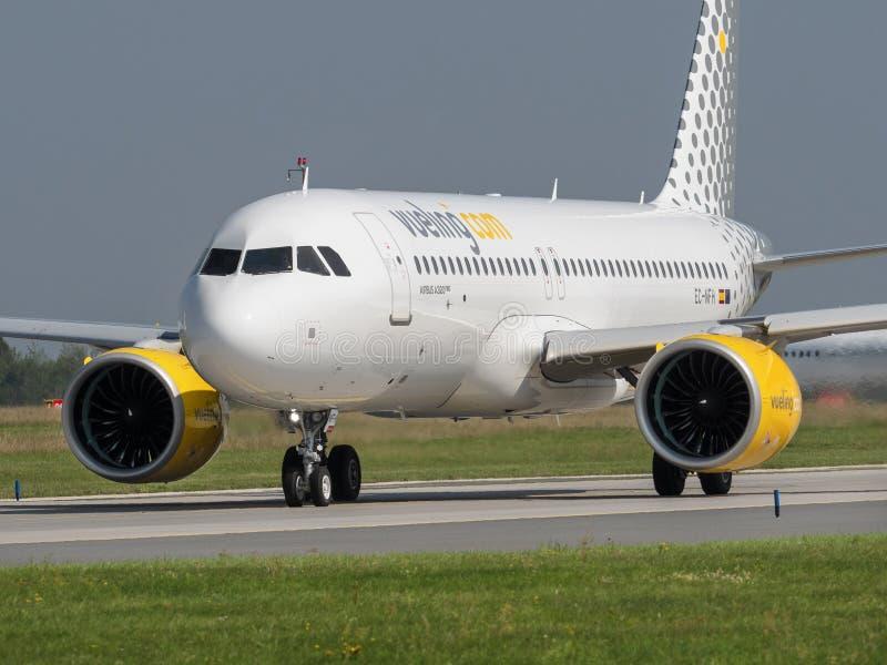 Vueling Airlines VLG/VY Airbus A320 NEO am Flughafen Vaclav Havel Prag PRG AUGUST 31, 2019 in Prag lizenzfreies stockfoto