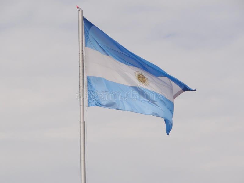 Vuelo argentino grande de la bandera fotografía de archivo