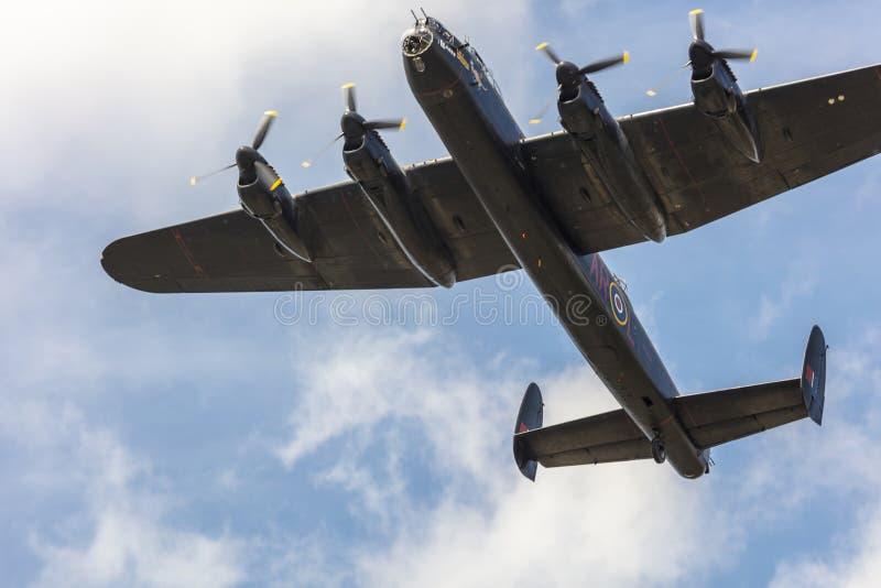 Vuelo conmemorativo del plan pesado del aire del tiempo de guerra del bombardero de Lancaster fotografía de archivo libre de regalías