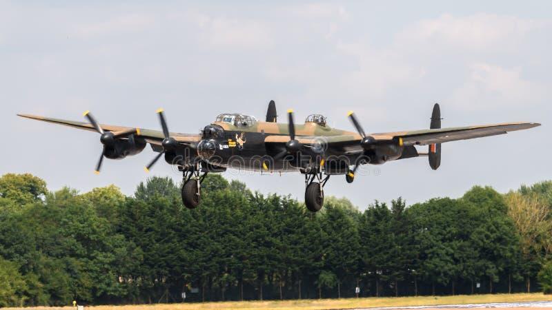 Vuelo conmemorativo Lancaster de la batalla de Inglaterra foto de archivo libre de regalías
