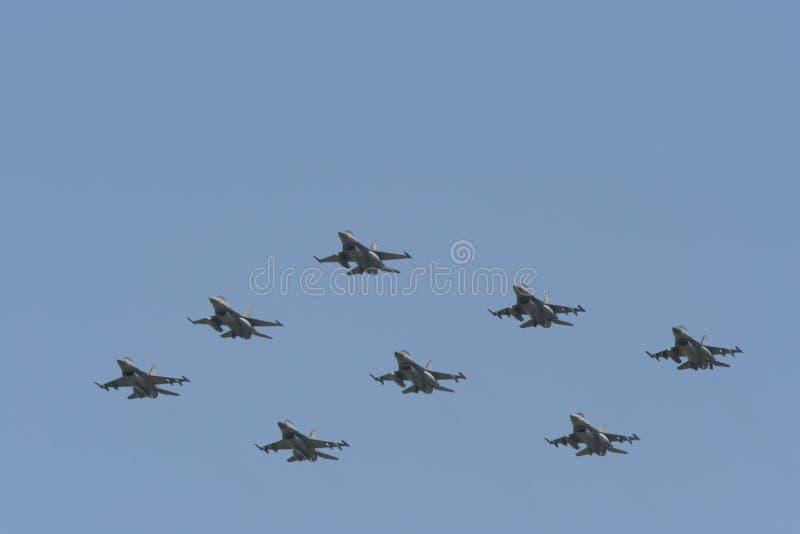 Vuelo de formación F-16 imagenes de archivo