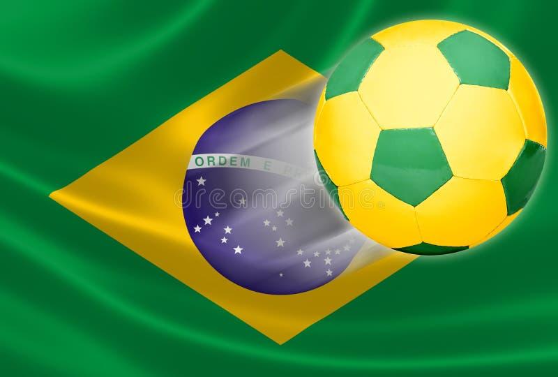 Vuelo del balón de fútbol fuera de la bandera brasileña imagen de archivo