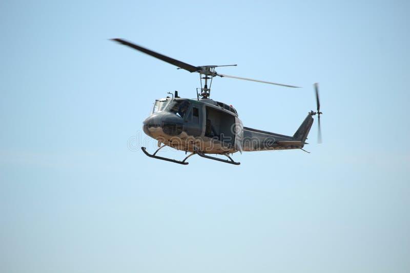 Vuelo del helicóptero en el día nacional del ` s de los niños foto de archivo