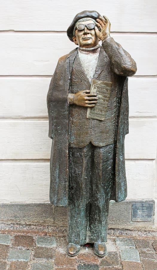 Vuelque el monumento de Taube (1890-1976), uno de los compositores suecos famosos imagen de archivo libre de regalías