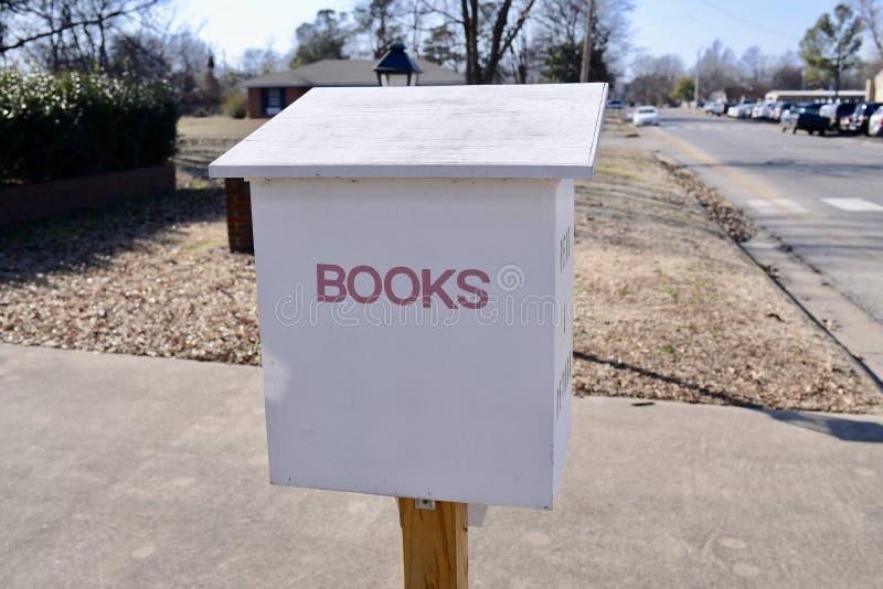 Vuelta del almacén de los libros para los libros vencidos imagen de archivo libre de regalías