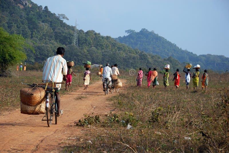 Vuelta tribal de la gente de Orissa del mercado semanal imagen de archivo libre de regalías