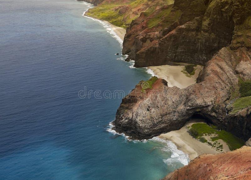 Vues aériennes de la côte du Na Pali de Kauai, Hawaï photos libres de droits