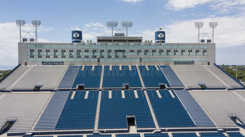 Vues aériennes de LaVell Edwards Stadium On The Campus de Bringham image libre de droits