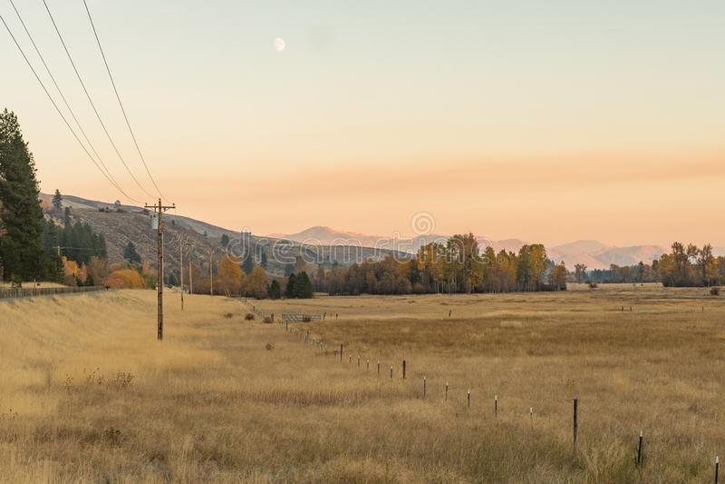 Vues de coucher du soleil de canyon de Boesel et de la plaine près de Winthrop photos stock