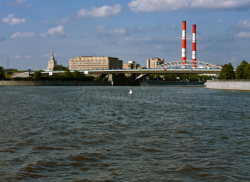 Download Vues de Moscou photo stock. Image du fleuve, zone, nature - 45352592