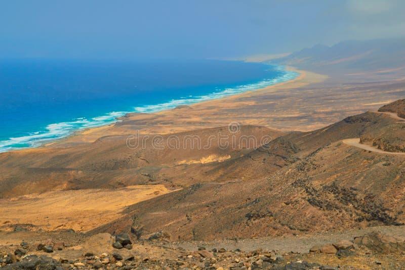 Vues magnifiques de la mer et de la plage de Cofete, Fuerteventura photos stock