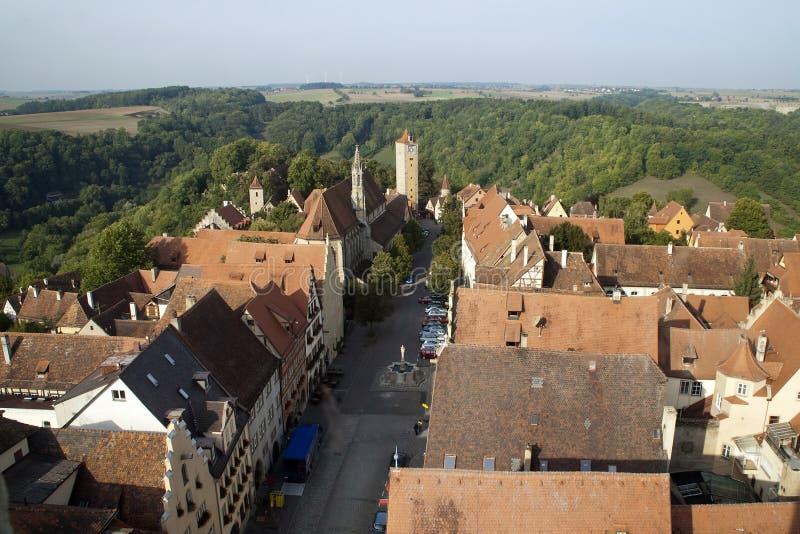 Vues occidentales de tour franciscaine d'église et d'horloge et de cloche photographie stock