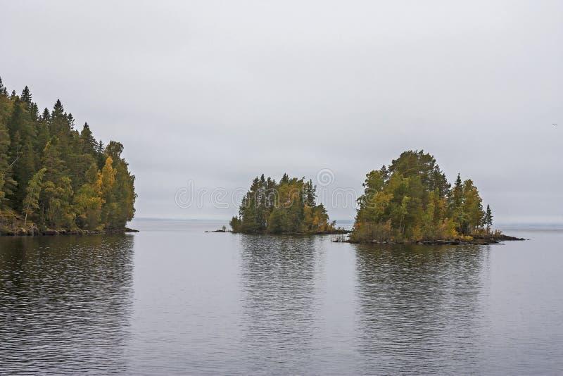 Vues panoramiques de l'île de Valaam La partie nord du lac Ladoga République de la Carélie photographie stock libre de droits