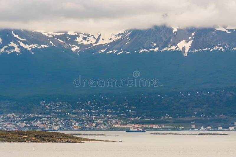 Vues panoramiques de l'Ushuaia par temps nuageux image stock