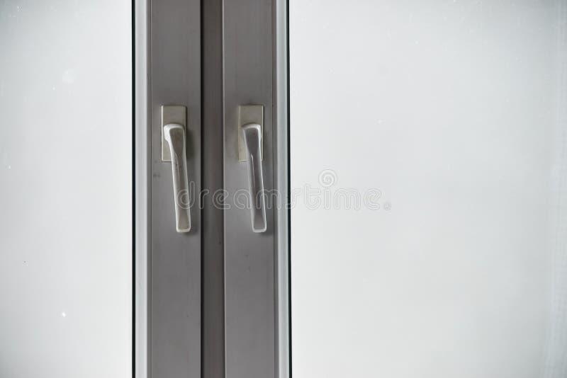 Vuil venster plastic kader royalty-vrije stock foto