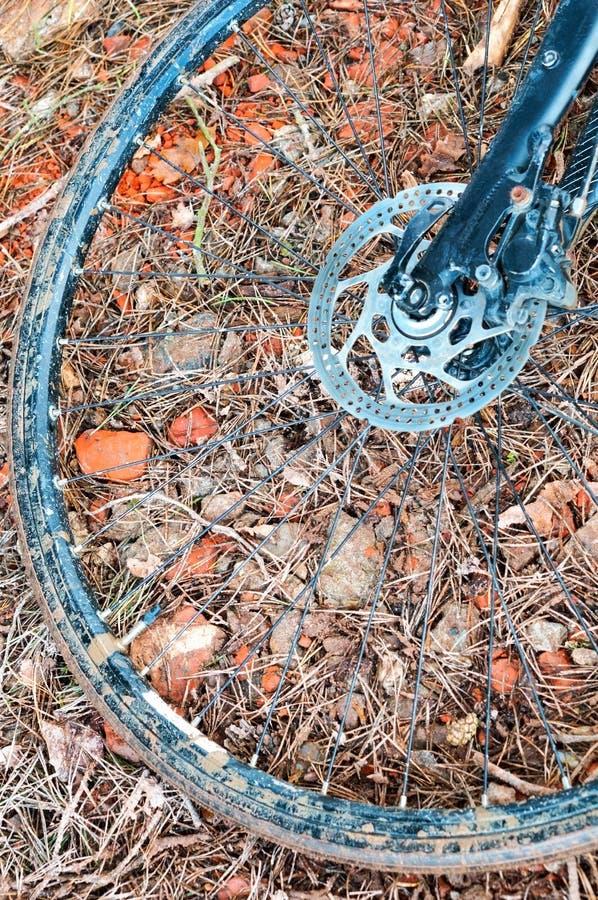 Vuile fiets, Fietswiel met schijfrem royalty-vrije stock foto