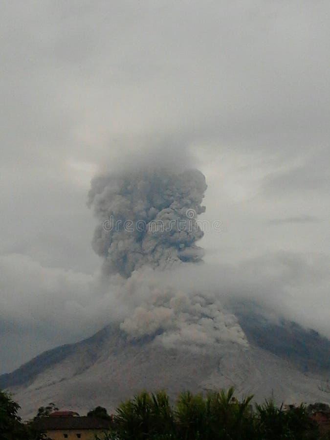 Vulcão da erupção fotos de stock royalty free