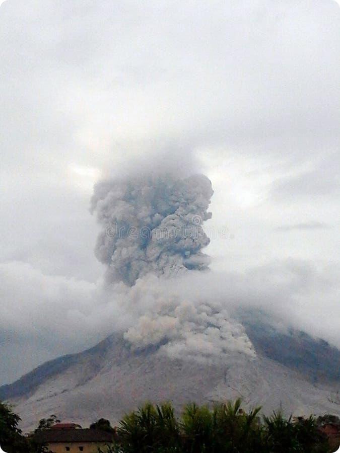 Vulcão da erupção fotos de stock