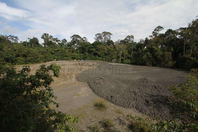 Vulcão da lama na reserva dos animais selvagens de Tabin fotografia de stock