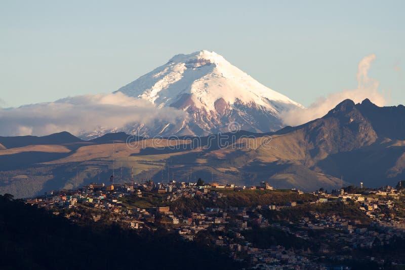 Vulcão de Cotopaxi foto de stock royalty free