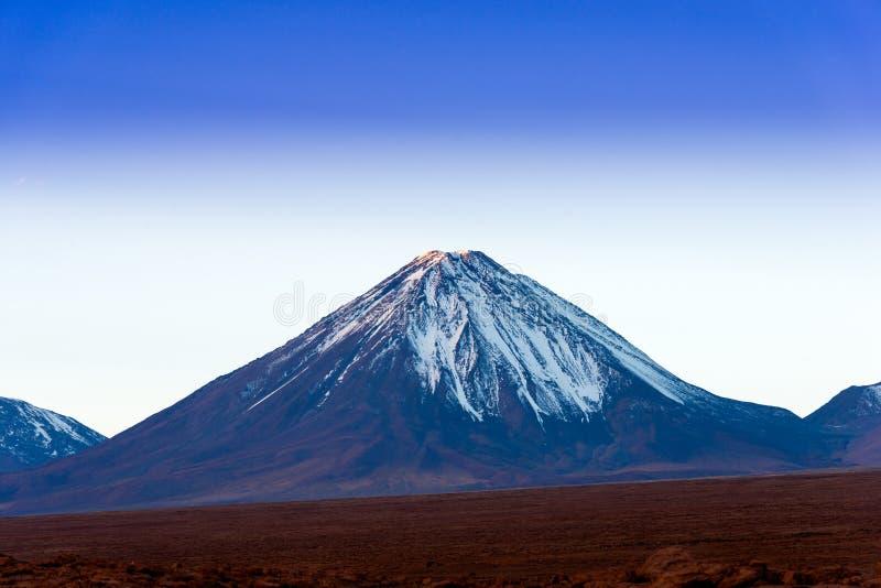 Vulcão de Licancabur imagem de stock royalty free