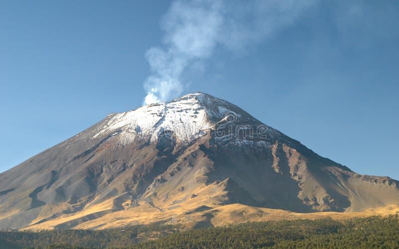 Vulcão de Popocatepetl fotos de stock royalty free