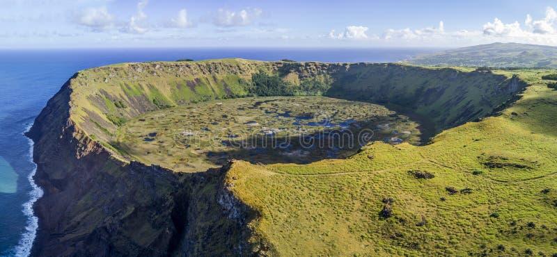 Vulcão de Rano Kau na Ilha de Páscoa, o Chile fotos de stock